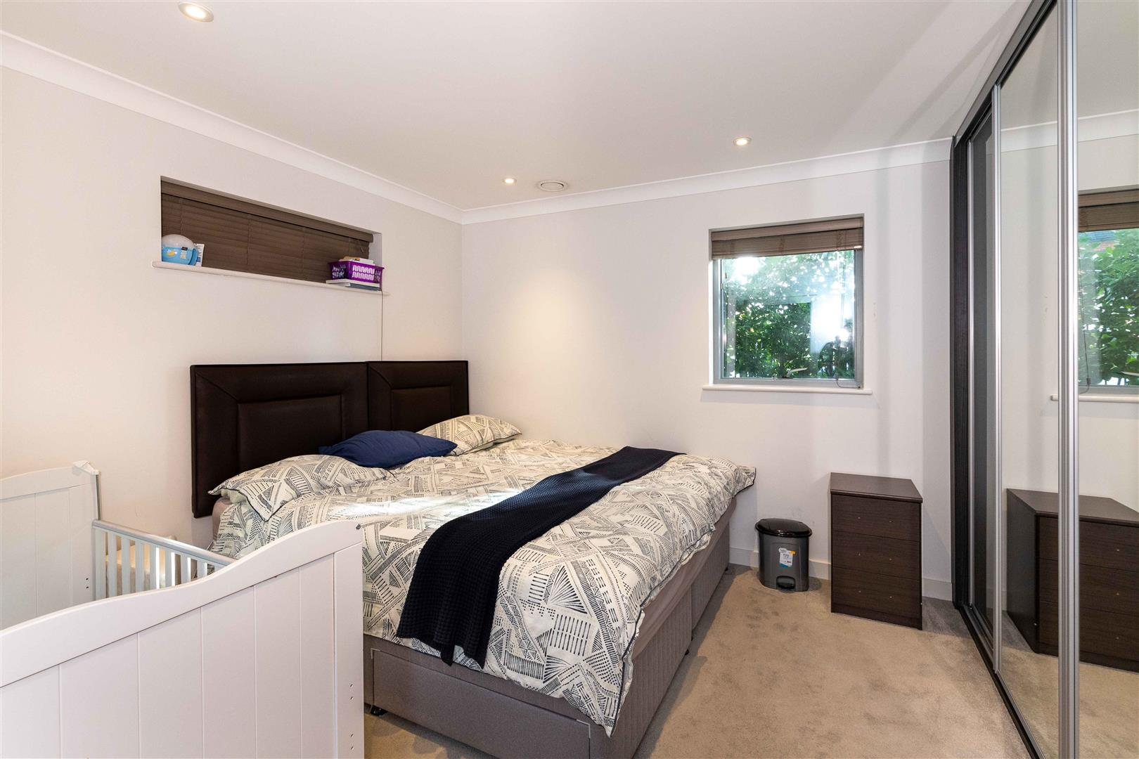 7 master bedroom IMG_7-7882_resized.jpg